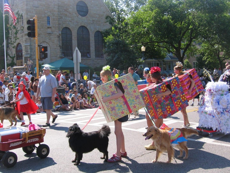 Pet expert Steve Dale appears in the LaGrange Pet Parade